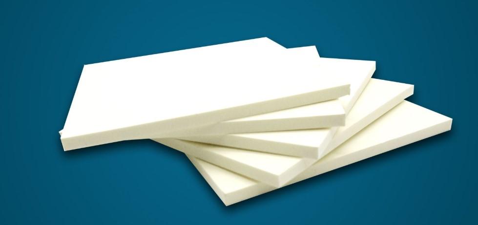 So sánh MDF Lõi xanh và nhựa Picomat